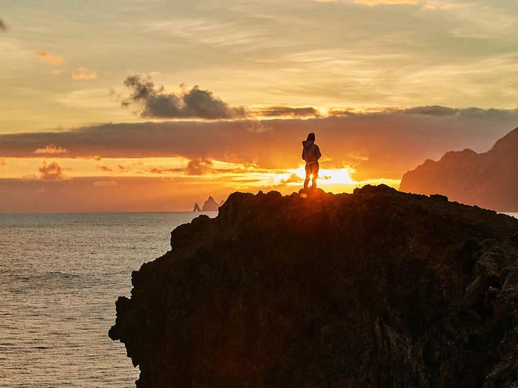 Cinco sítios para ver o nascer do sol na Madeira