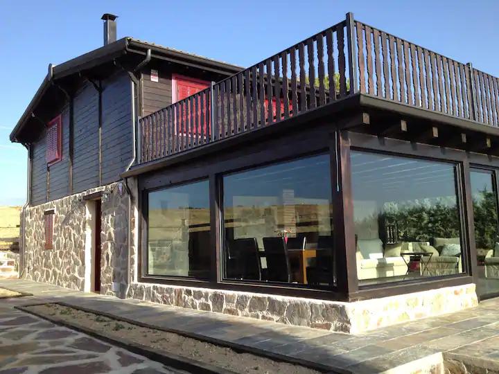 Airbnb, cabañas en la Sierra de Madrid