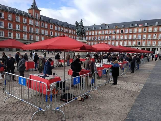 Mercado de Filatelia plaza Mayor Madrid