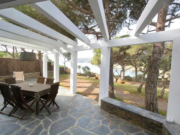 Airbnb, 15 alojamientos Costa Brava, 11