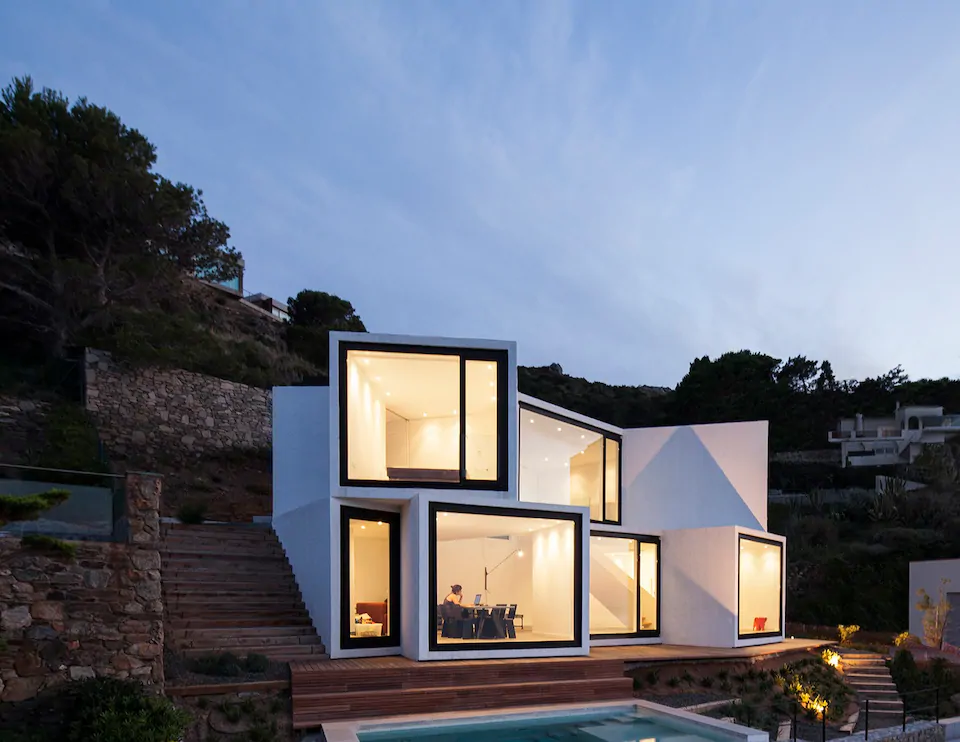 Airbnb, 15 alojamientos Costa Brava, 12