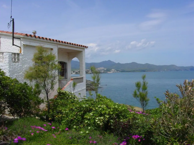Airbnb, 15 alojamientos Costa Brava, 13