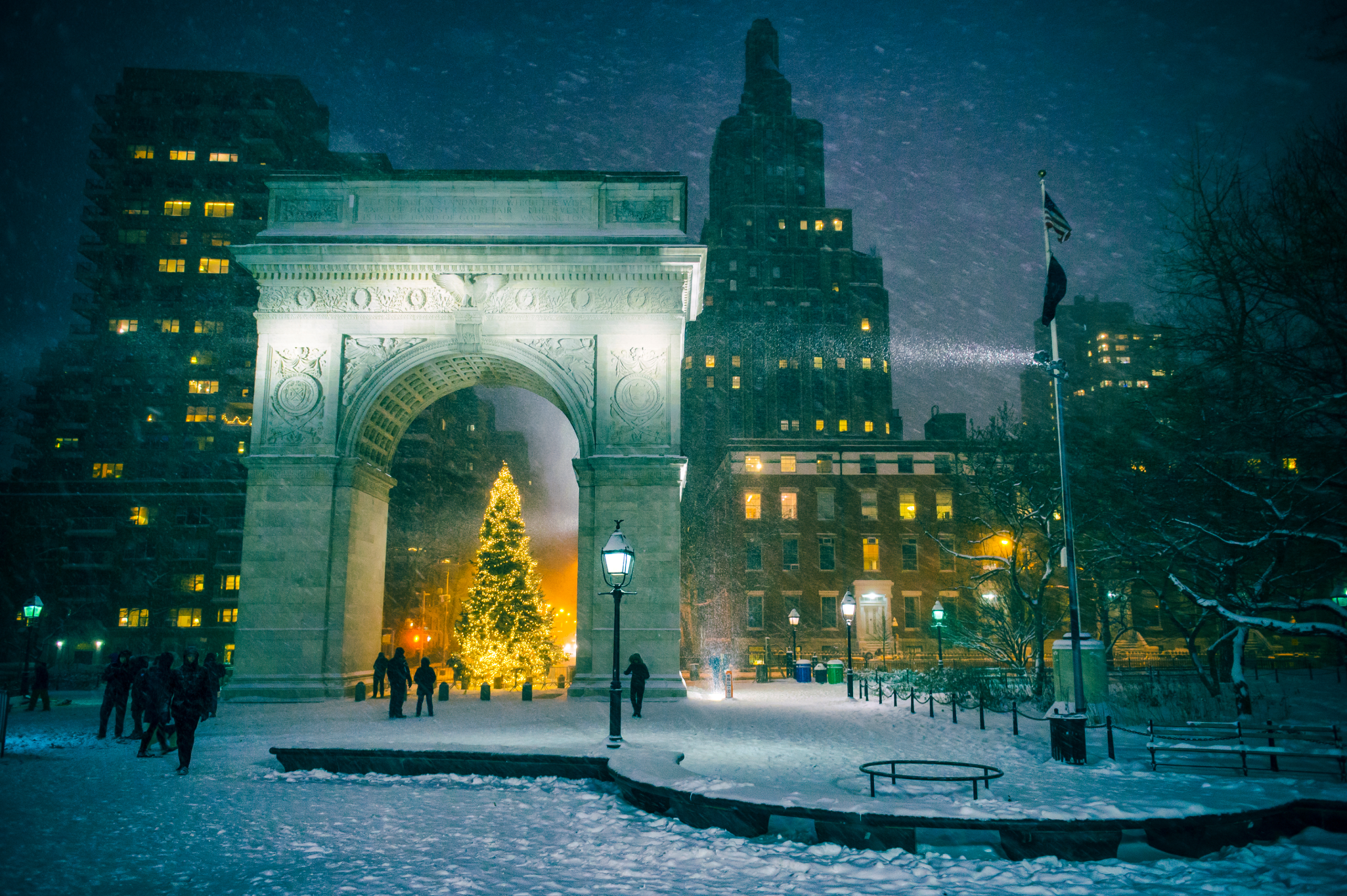 This video of New Yorkers having a massive snow fight in Washington Square Park will warm your heart