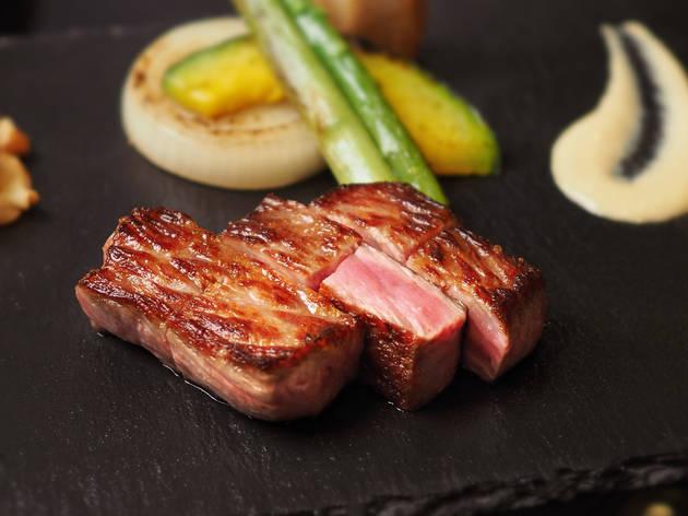 Teppanyaki Mihar Miyazaki A4 Wagyu beef sirloin