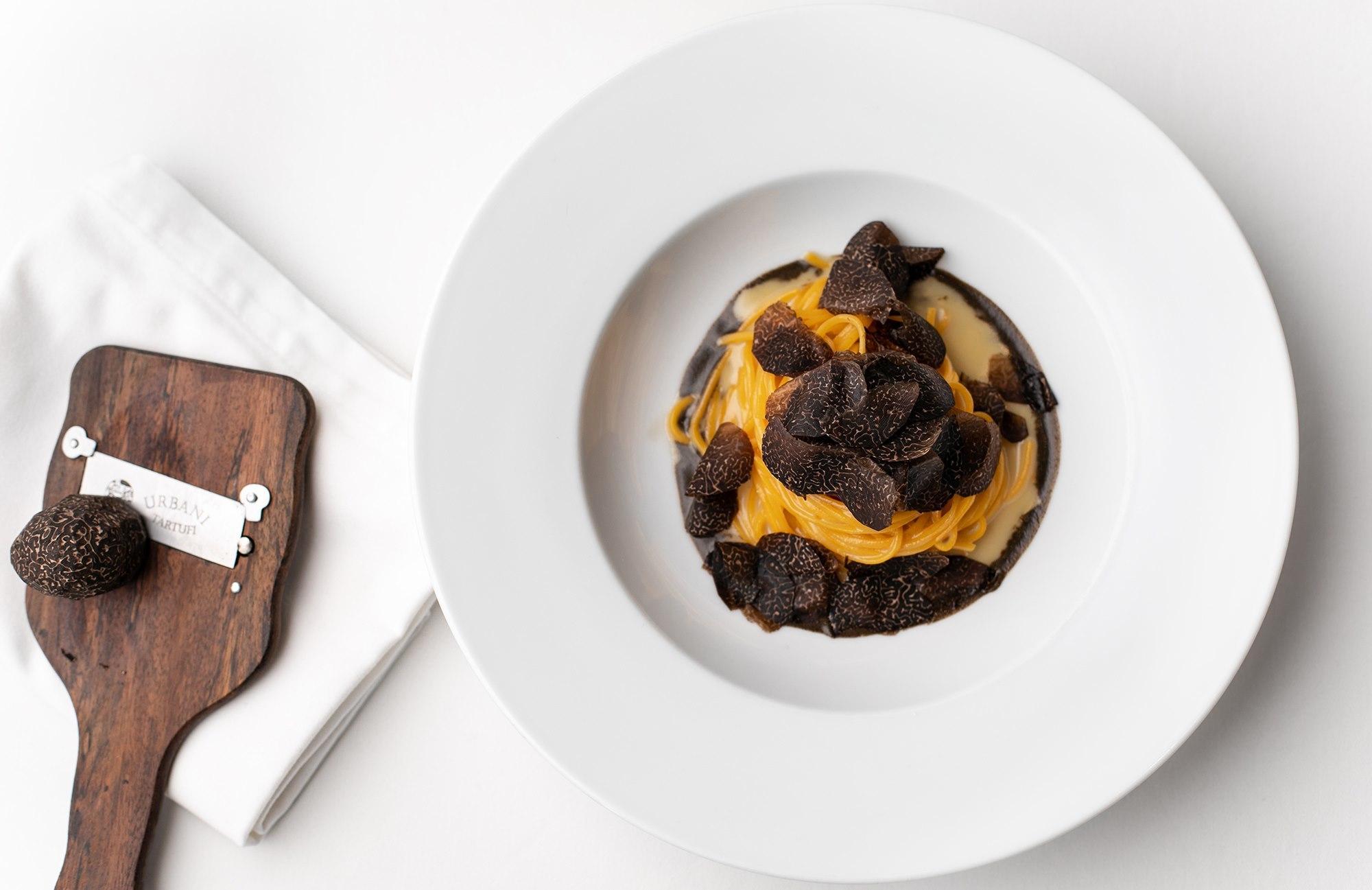 Octavium black truffle pasta
