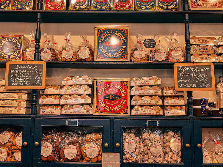 Madeira souvenirs to pack on your way home