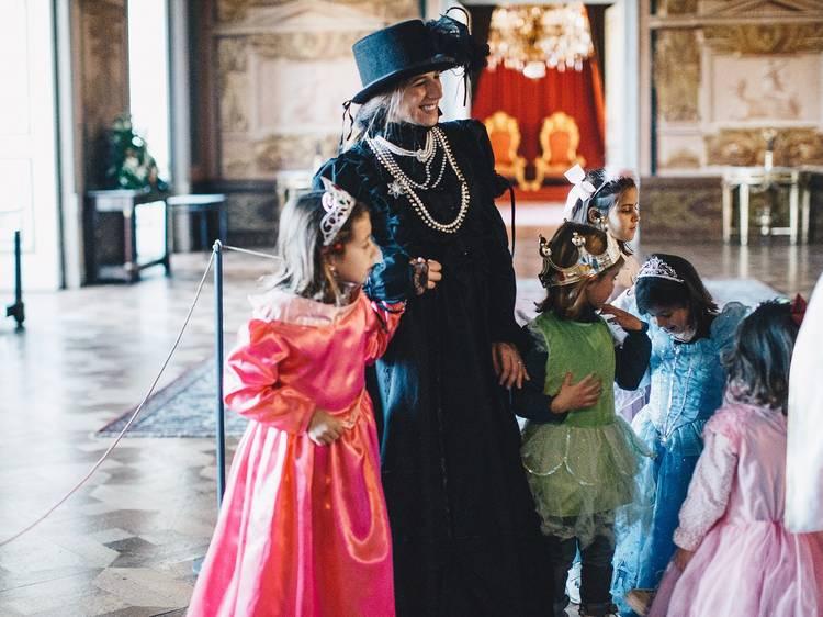 Carnaval com a Rainha no Palácio