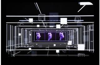 Perfume《Reframe 2019》2019年 撮影:上山陽介[参考図版]