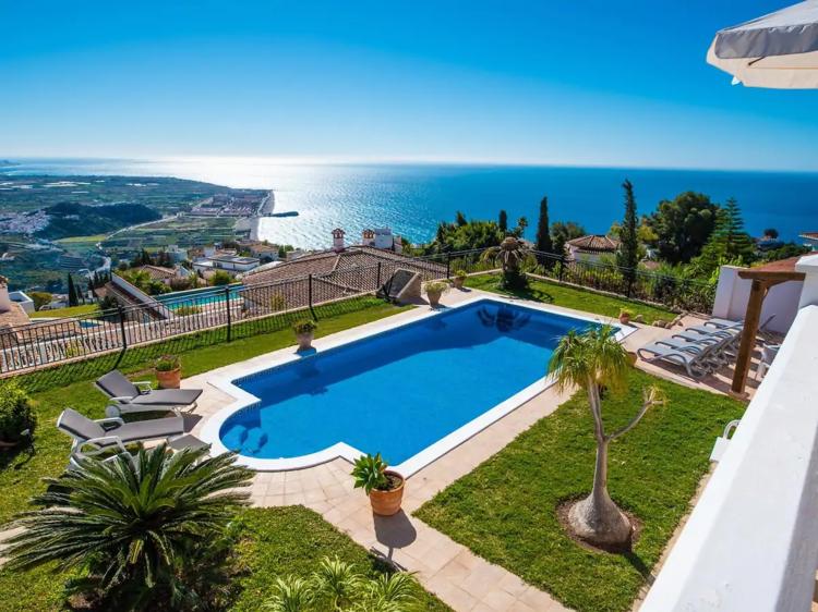 Top de casas con piscina y encanto para una escapada en la península