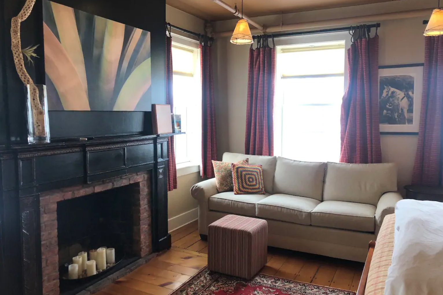 the lounge in stowe VT airbnb