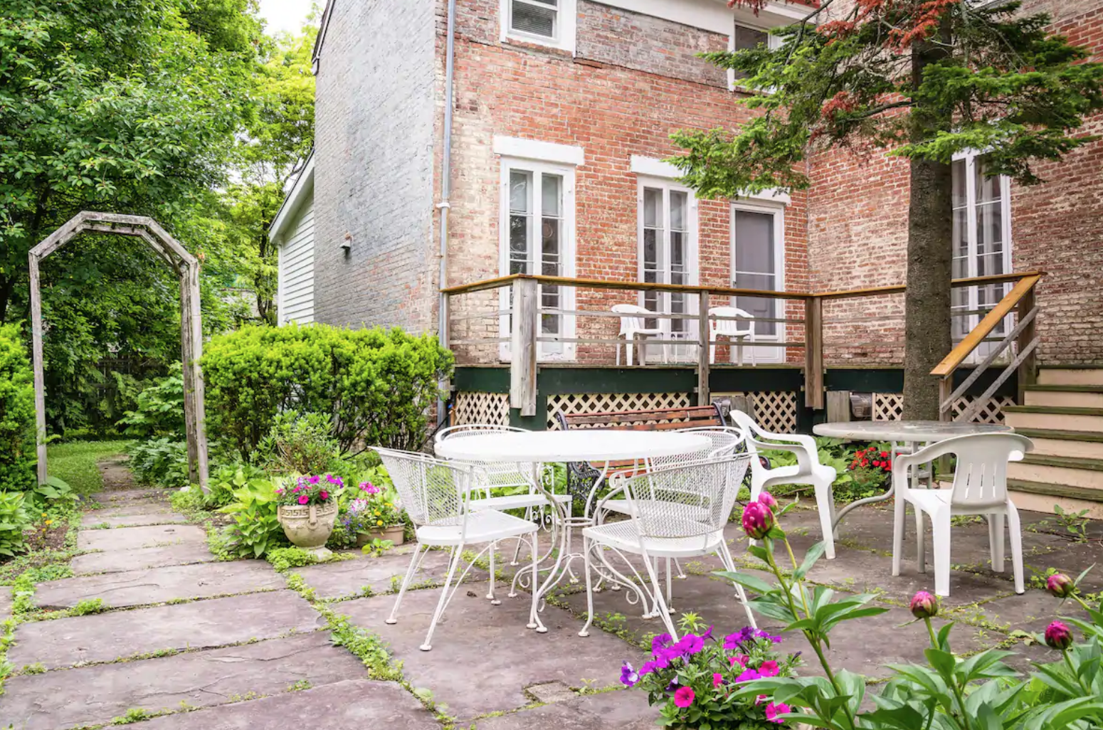 THE DAKIN HOUSE hudson ny airbnb