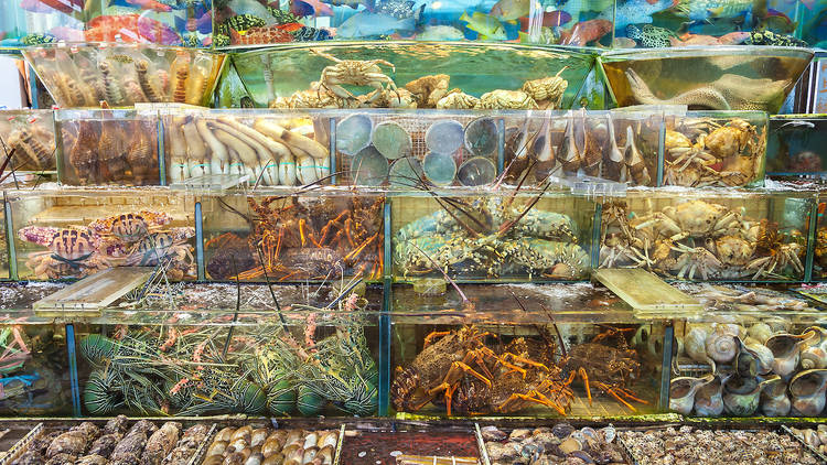 Live,Seafood,Outside,A,Restaurant,In,Sai,Kung,,Hong,Kong