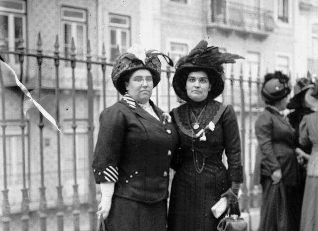 Carolina Beatriz Ângelo e Ana de Castro Osório