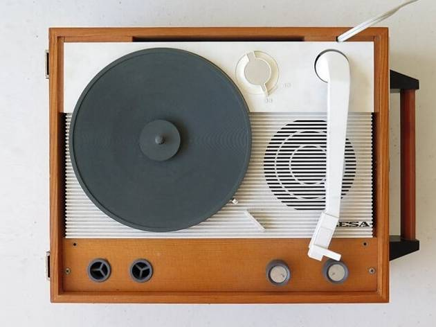 Gira-discos portátil à venda na LOJA Concept Store