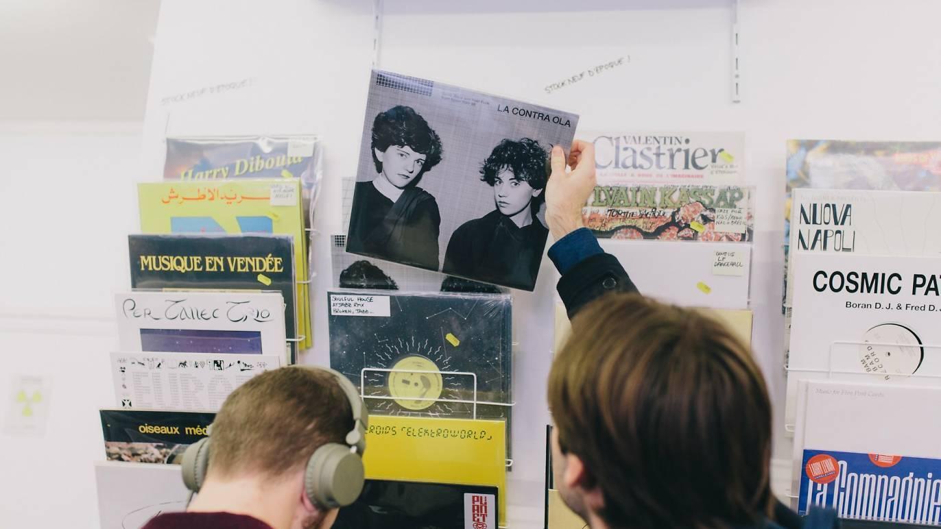 Aux Puces de Saint-Ouen, un nouveau disquaire propose des vinyles à partir de 2 €