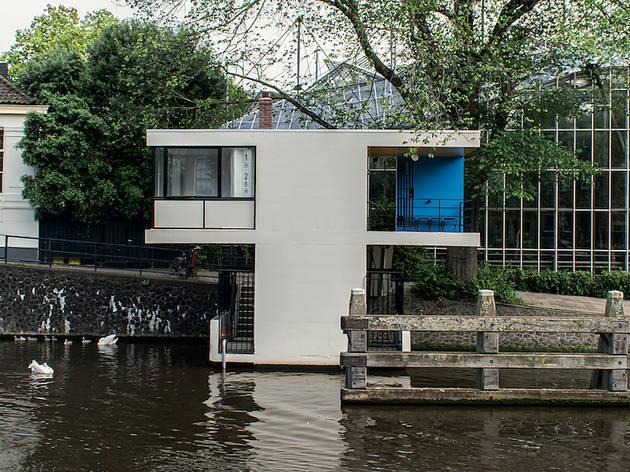 Bridge hotel in Amsterdam