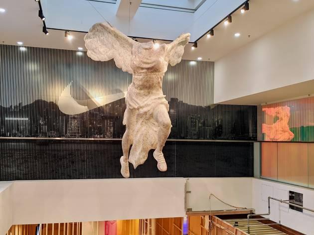 兩層高 Nike 新店進駐尖沙咀海港城 全港唯一勝利女神像打卡必到