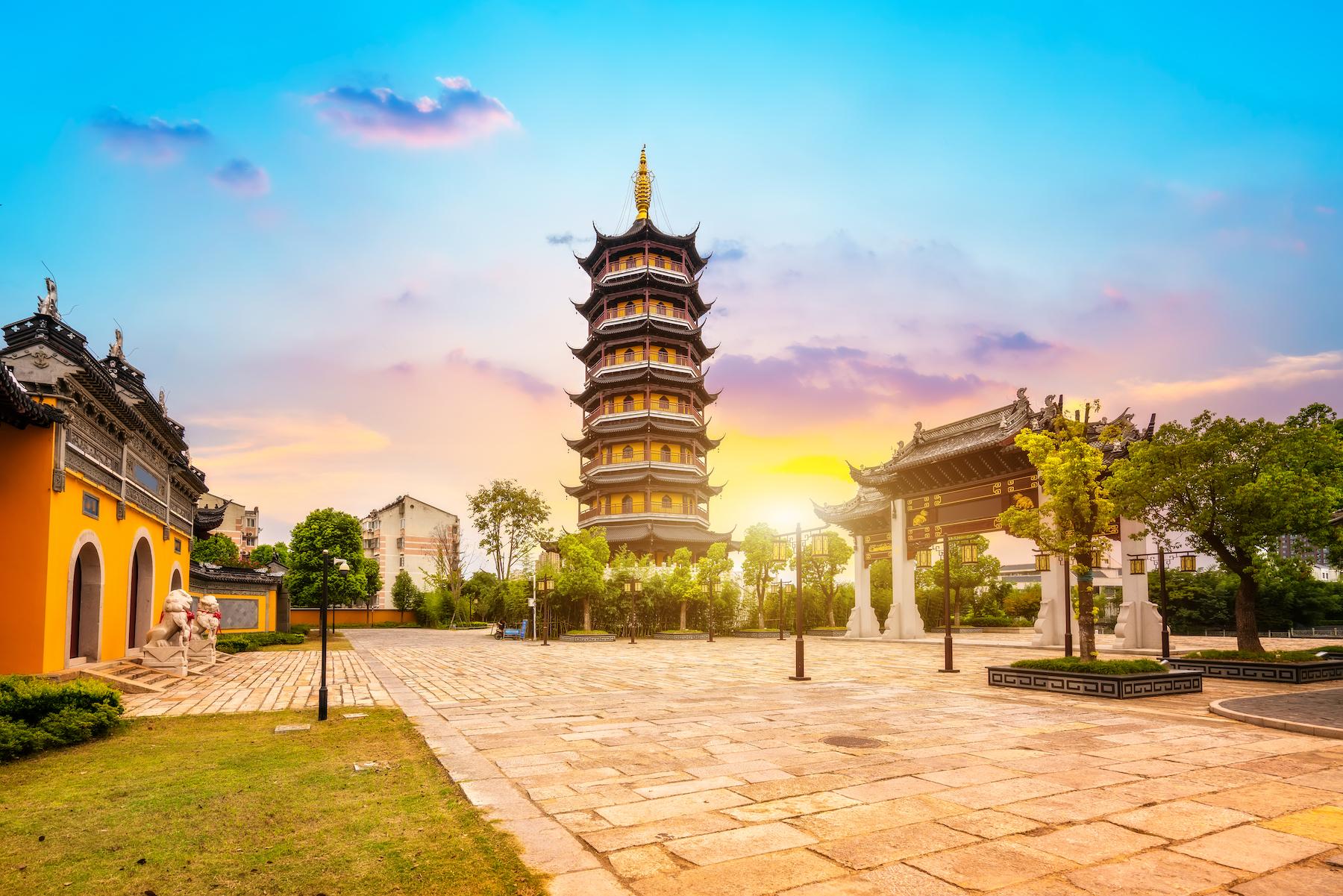Henan Mountain Temple in Fengcheng, Taizhou