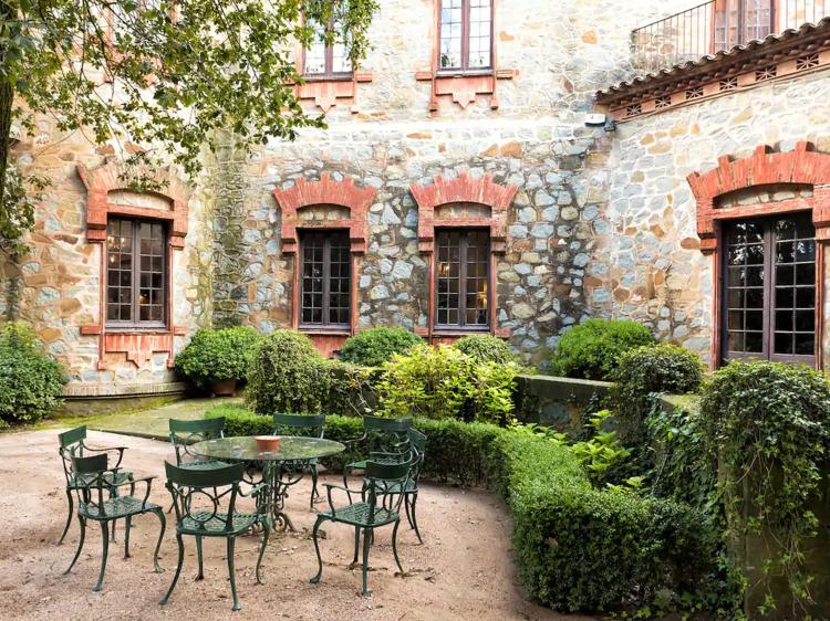 Un castillo modernista en Osona