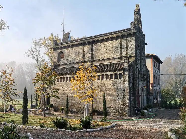 Una iglesia novecentista en Torelló, Osona
