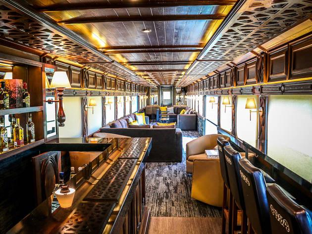 El tren con barra libre de tequila