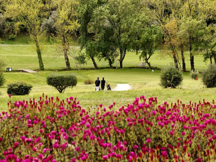 1. Faz parte do Lisbon Golf Coast