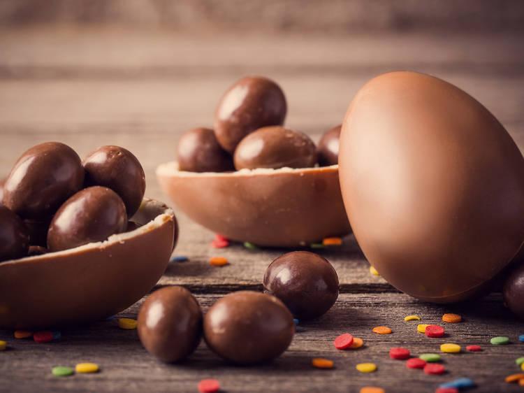 Hacer tus propios huevos de chocolate