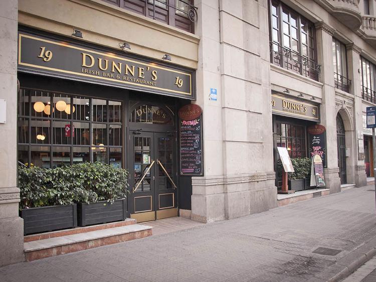 Dunnes Irish Pub & Restaurant