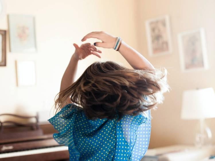 Dançar, dançar e dançar (com fones)