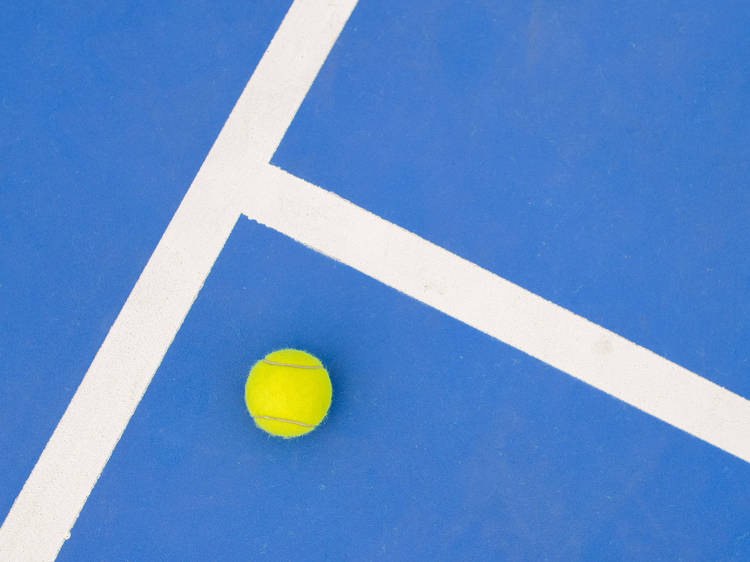Find somewhere to play tennis
