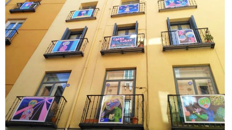 Exposición en balcones de Lavapiés