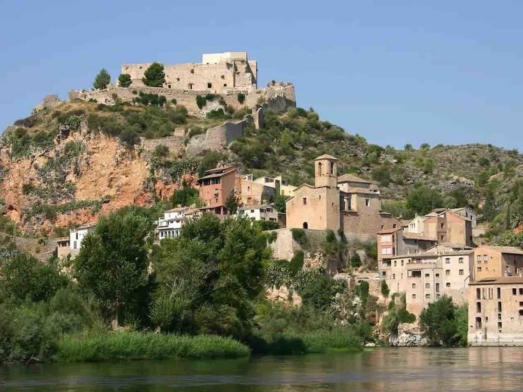 Miravet, un pueblo a la orilla del río