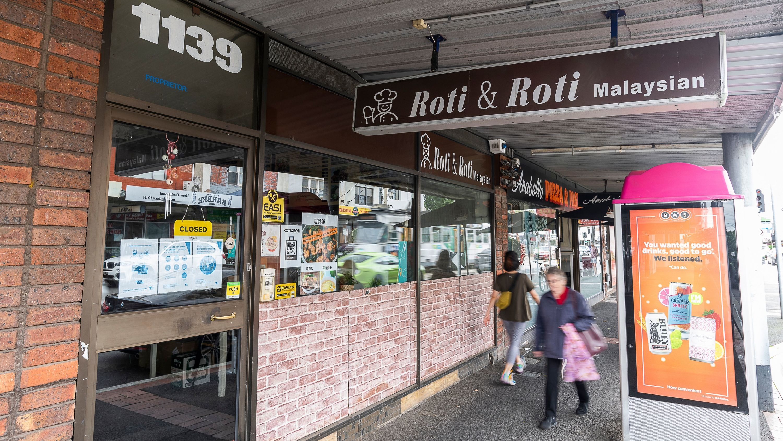 Roti and Roti sign