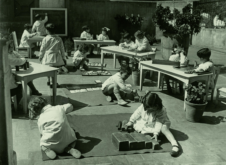 05 - Escola Nacional Montessori a la Via Laietana, 59. Detall. 1932.