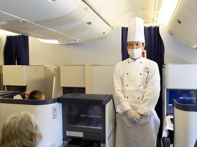 ANAが駐機中の飛行機で期間限定のレストランを開業