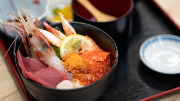 Kaisendon, fresh seafood on rice