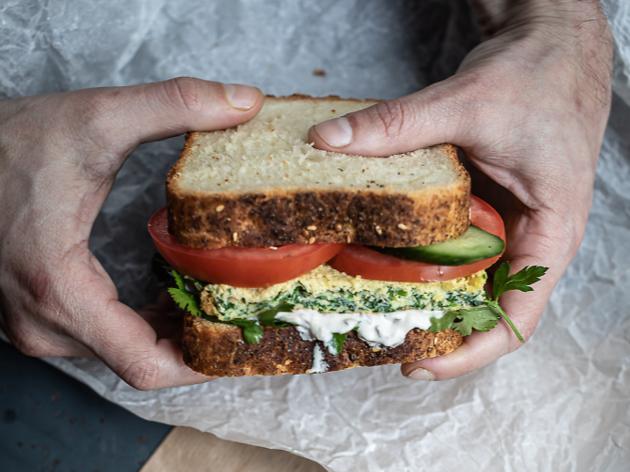 """©  @ilyafoodstories / Sandwich """"havita"""" à l'omelette"""