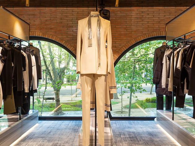 Fashion Clinic JNcQUOI Asia
