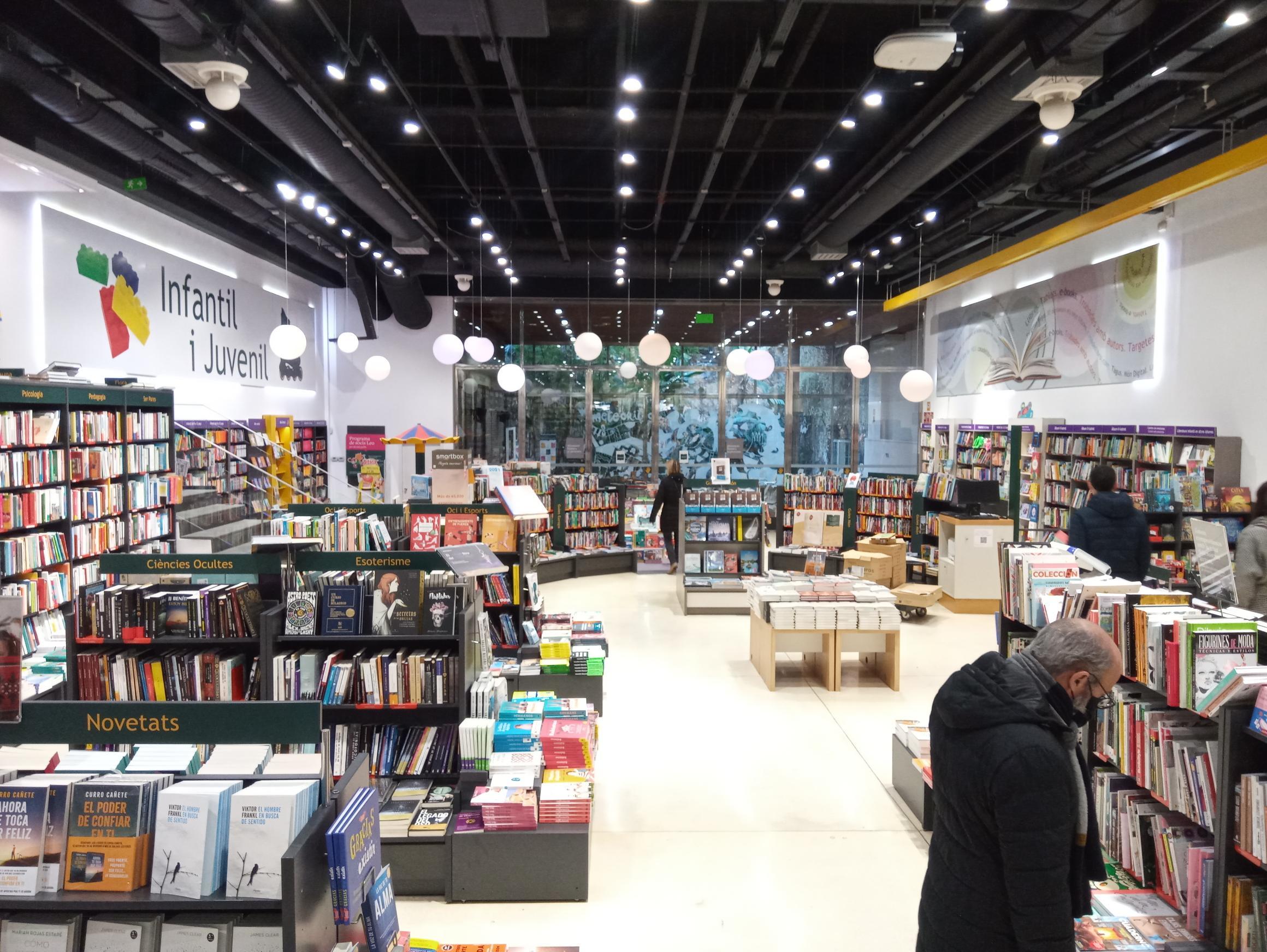 Casa del Llibre calienta motores para Sant Jordi con un sorteo y un gran premio