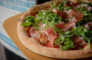 Amalfitana Primavera pizza