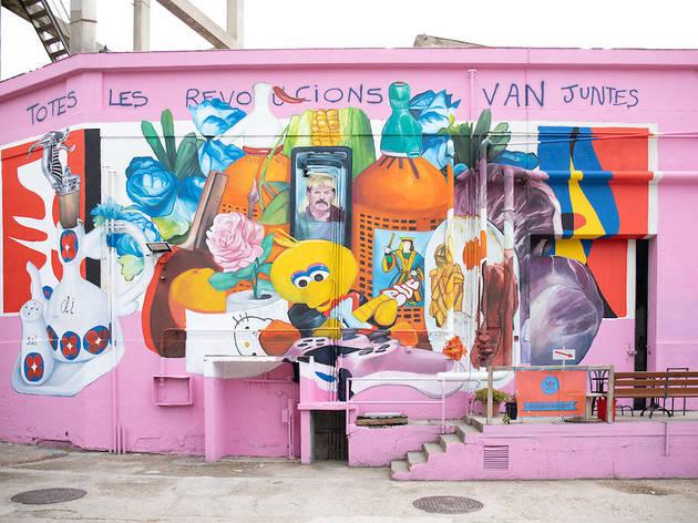 Mural de Nicolás Romero a la Nau Bostik