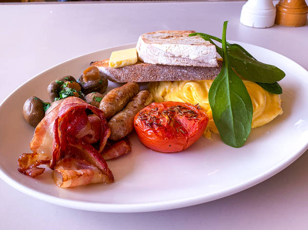 Full Aussie breakfast at Bills