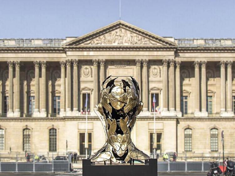 Hopare sur la place du Louvre