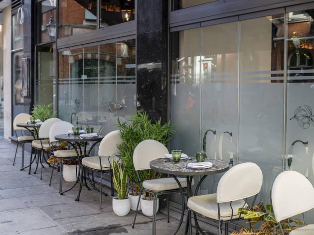 Outside dining, italian, como garden
