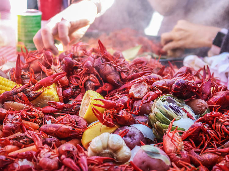 Crawfish boils in New Orleans
