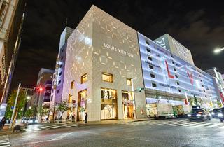 Ginza Louis Vuitton night walk