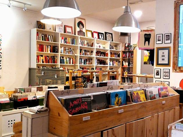Molar discos y libros