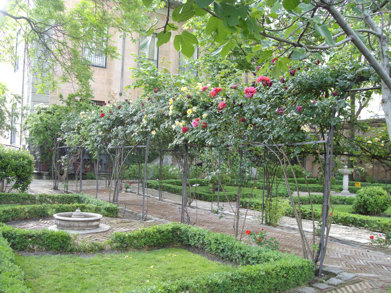 Rosaleda del Jardín del Príncipe de Angola