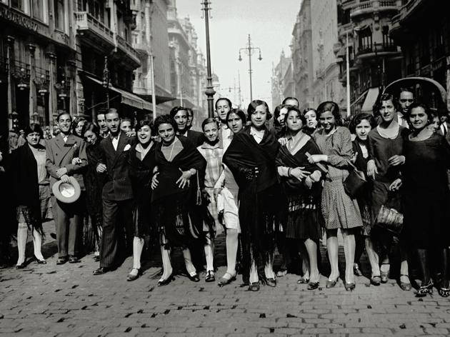 Modistas en la Gran Vía, 1933