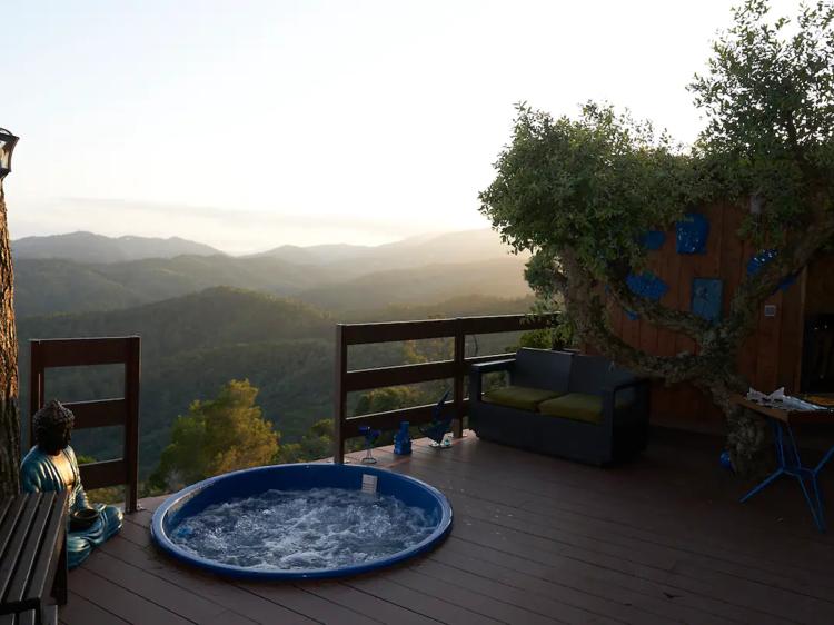 Un domo con vistas panorámicas en Santa Susana